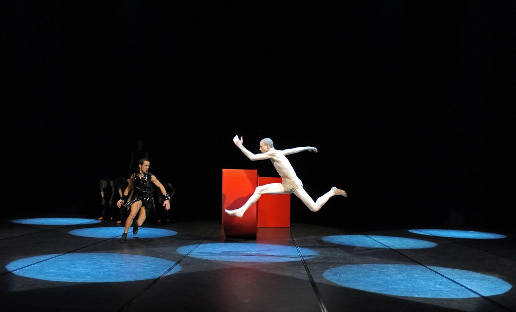 Turin arts and performing arts - Contemporary Ballet Theatre Hall with two performers on stage