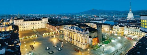 Turin Piazza Castello foto by Enrico Aretini - Turismo Torino e Provincia