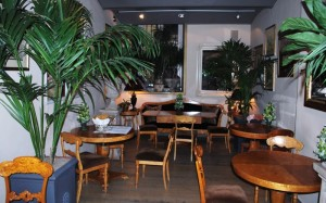 Top 10 Cafes and Bars in Turin -  Floris cafe interior