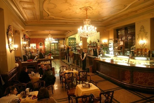 Cafes & bars in Turin - Historical Caffe-Torino old world interior with chandelier and wood tables