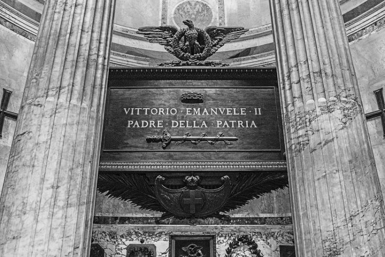 Vittorio Emanuele's tomb in the Pantheon, Rome