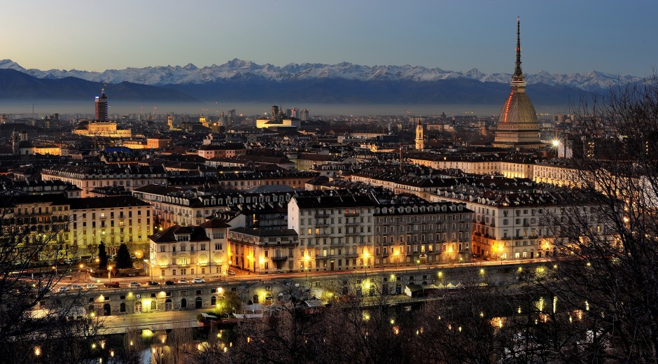 Turin_ by night city photo Wikipedia