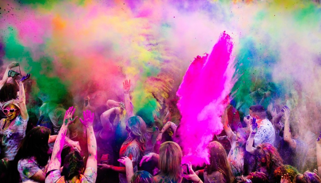 Holi Fusion Festival Turin - colour explosion with kids getting covered in colours