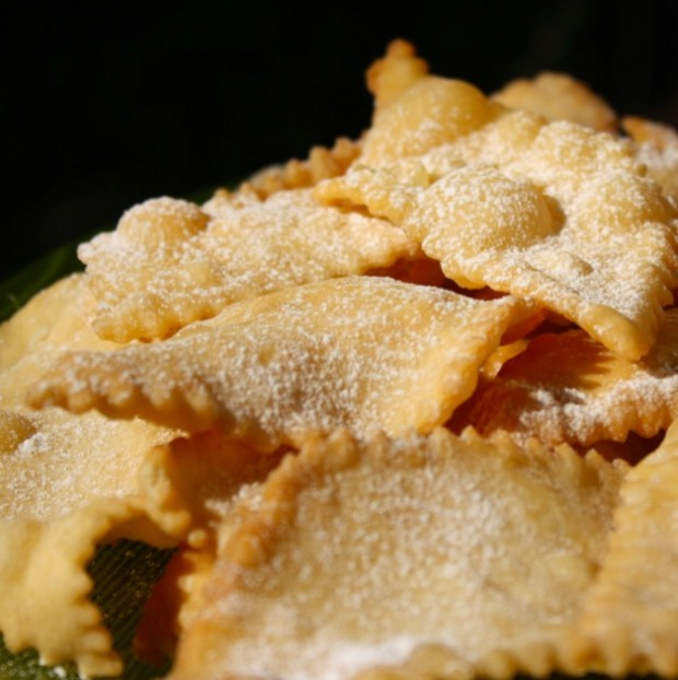 Bugie - Italian Carnival sweets photo by Travel Langhe