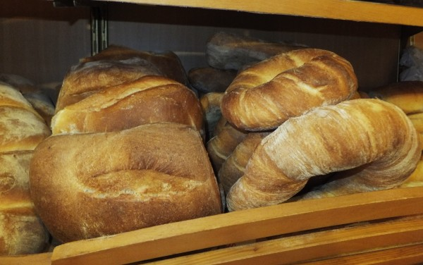 bread in Italy - ciambelle e ciabattine