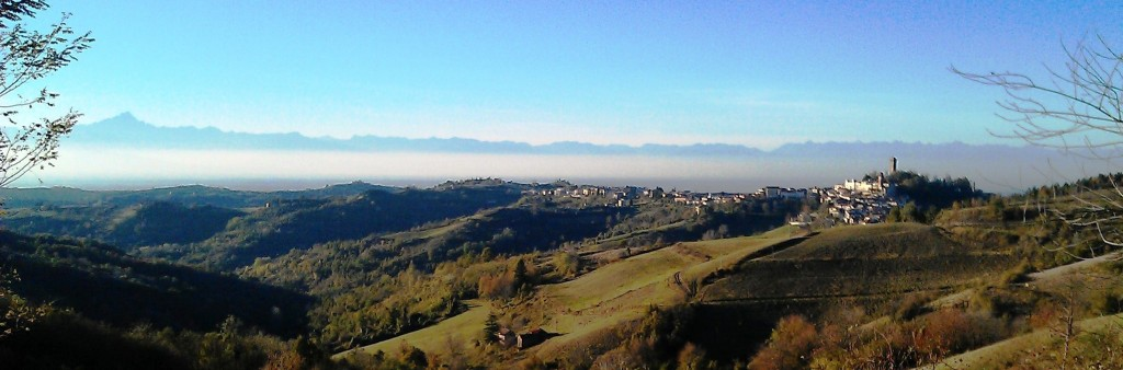 panoramic views of Murazzano and Monviso in the distance in the Alta Langa in Piedmont