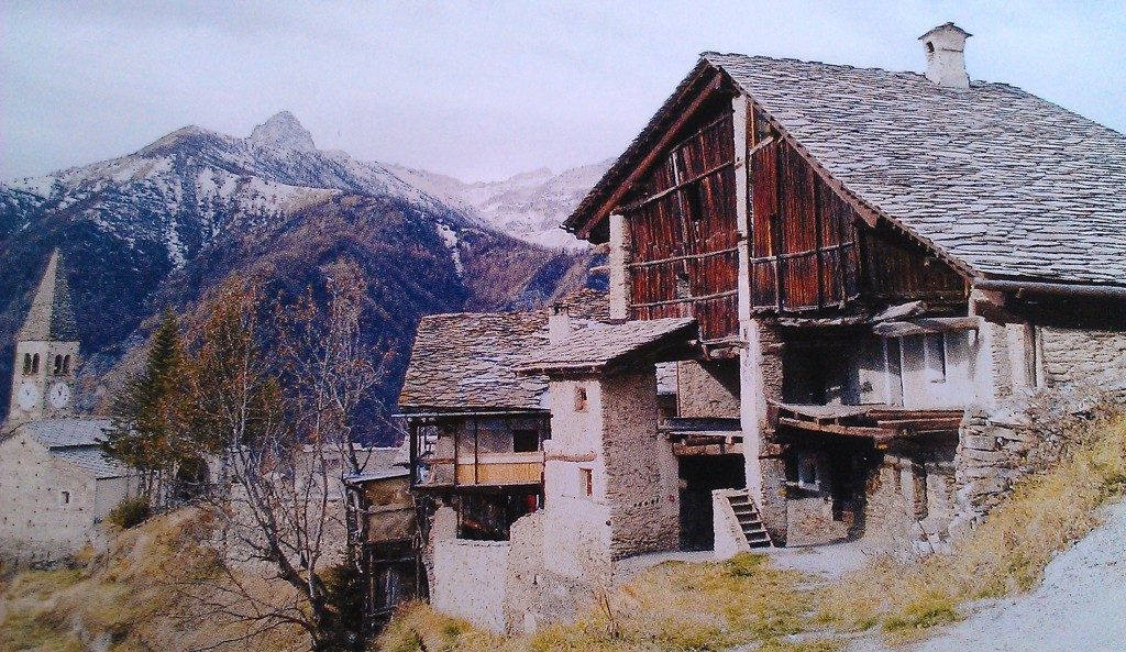 Mountain village houses in Elva Piedmont