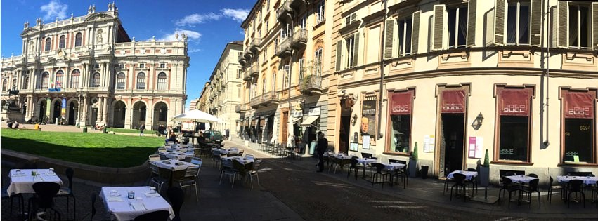 Top 10 Pizza in Turin - Dual Dual view outside restaurant