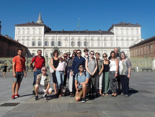 Italiano Porticando students in front of Royal Palace in Turin