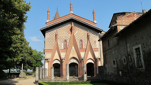things to see in piedmont include the abbey of Sant'Antionio di Ranverso - exterior view