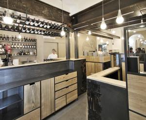 Turin's Alla Lettera Pizzeria - restaurant interior