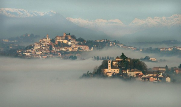 Monferrato, villate floating amongst the clouds in the rolling hills