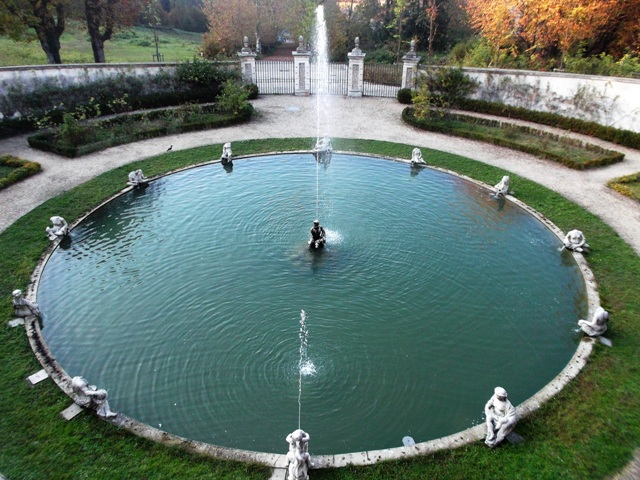Villa della Regina fountain in the garden