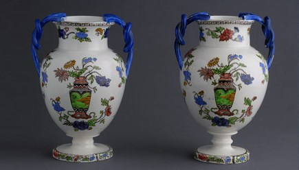 Mondovi Ceramics - two vases with oriental style decoration are beautiful souvenirs from Piedmont